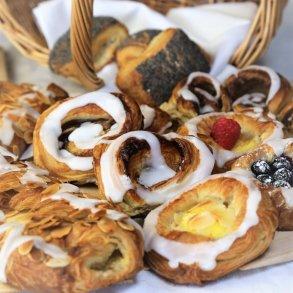 Wienerbrød, Croissanter og Birkes